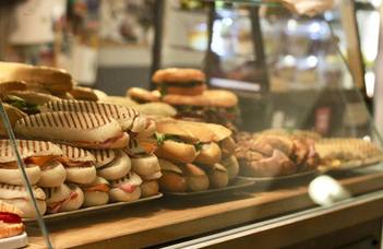 Restaurants and buffets