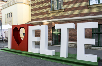 Tájékoztató előadások az ELTE iránt érdeklődő középiskolások, tanáraik és szüleik számára.