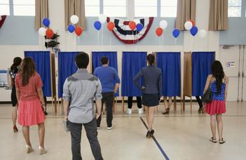 Történelmi jelentőségű amerikai elnökválasztás elé nézünk? (portfolio.hu)