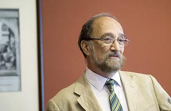 Prószéky Gábor előadásával folytatódik a Félúton konferencia