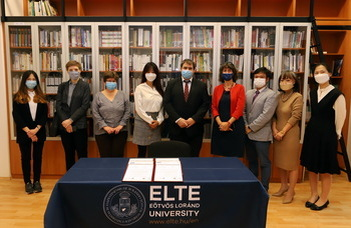 Felavatták az ELTE BTK koreai könyvtárát