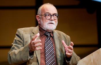 Az ELTE Alumni Központ vendége Pléh Csaba Széchenyi-díjas pszichológus, nyelvész.