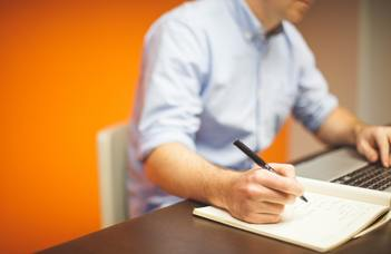 Angol tudományos írás képzés indul a BTK oktatói, kutatói számára